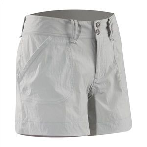 Like-New ARC'TERYX Parapet Shorts in Pearl Grey